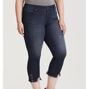 NWOT Torrid Ankle Skinny Jeans With Ring Cuffs 24